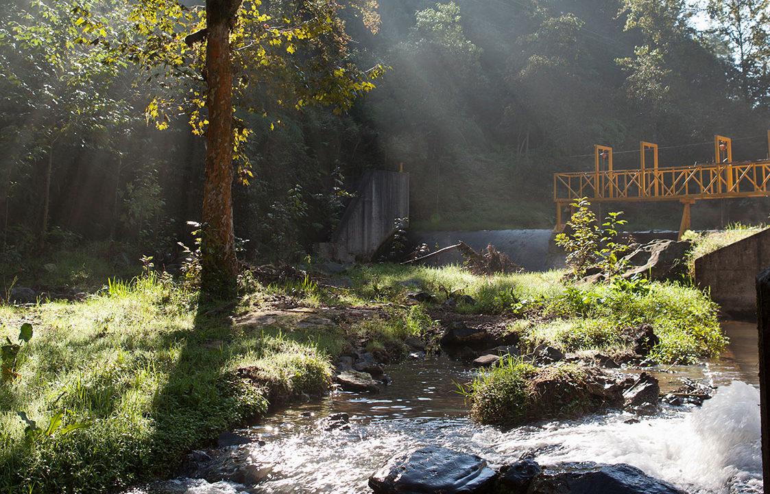 https://comunidadesautlan.com/wp-content/uploads/2017/07/hidroelectrica-diferente-1123x720.jpg