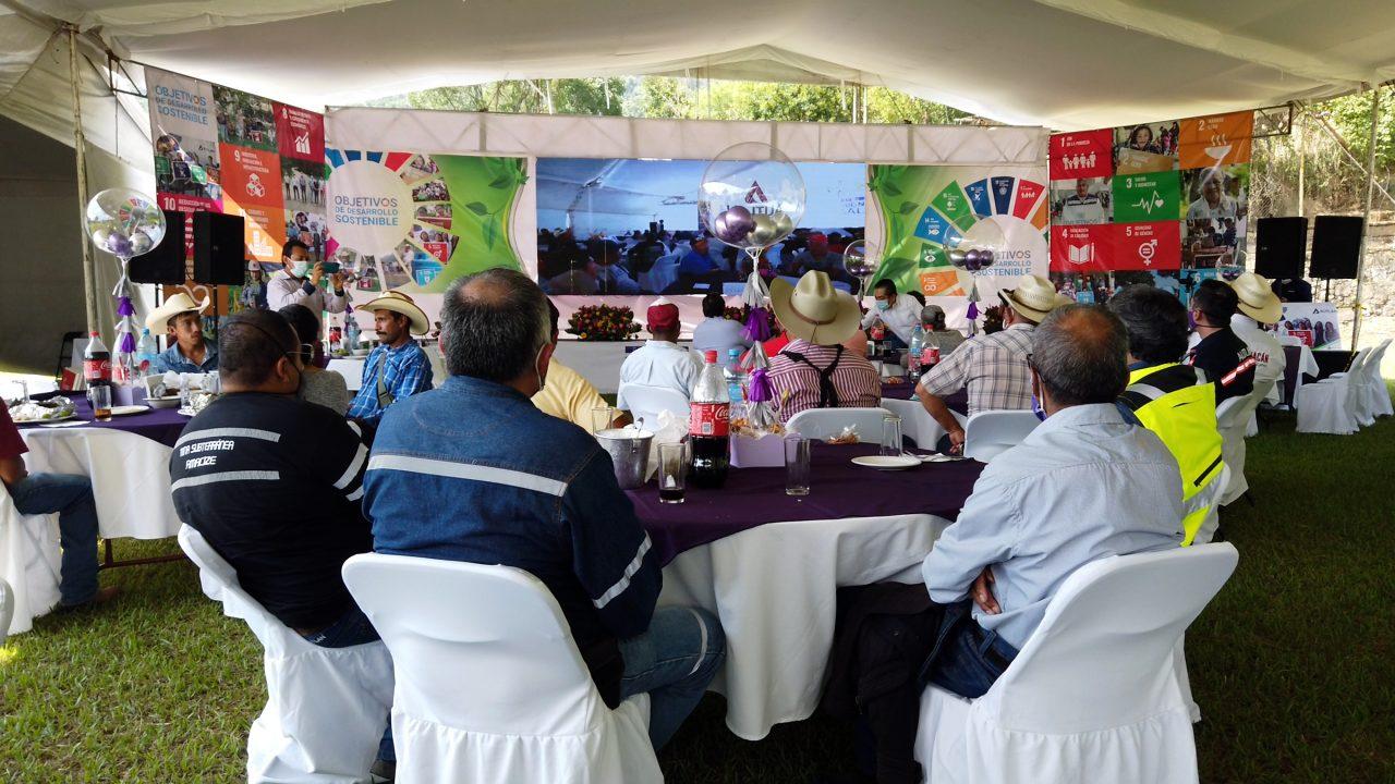 Autlán presenta Plataforma de Inversión Social 2021 en Otongo